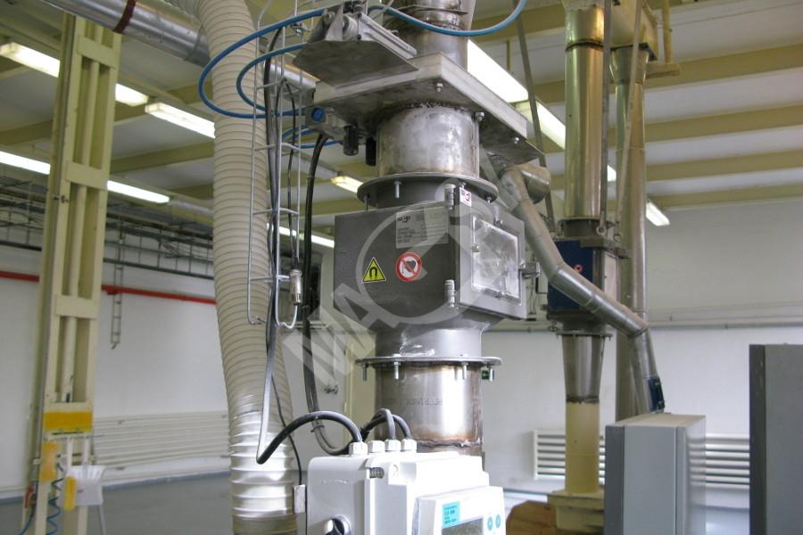 Magnetický separátor s výsuvnými rošty MSV